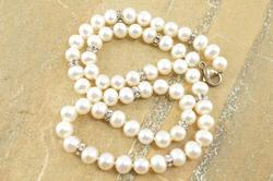 Pearlescent Beaded Rhinestone Ring Fancy Necklace Silver