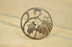 Round Art Nouveau Rounded Curvy Flowers Daisy Pin / Brooch Silver