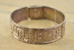 Hinged Mexican Diamond-Cut Tribal Design Bracelet Silver