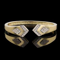 Amazing 0.63ctw Diamond Bangle Bracelet