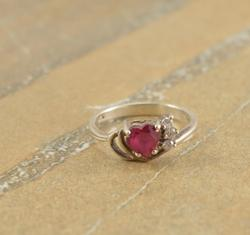 Pink Faceted Heart Shaped Clear Stone Accented Ring Size 7.75 Silver