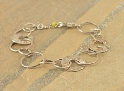 Open Multi-Size Hammered Circles Link Bracelet Silver