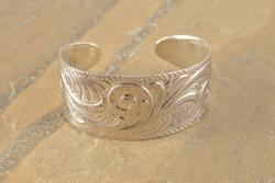 patterned cuff Bracelet Silver