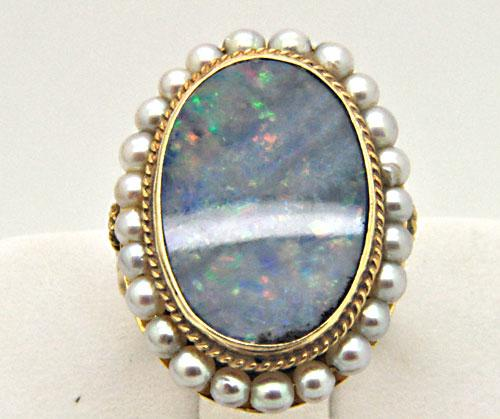 VINTAGE 14K YELLOW GOLD OPAL AND CUTURED PEARL RING.