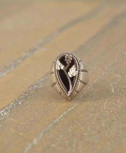 flower in tear shape Ring Size 7.25 Silver