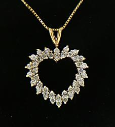 Romantic 14kt Diamond Heart Pendant