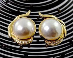 Feminine Pair of 14K Mobe Pearl Earrings