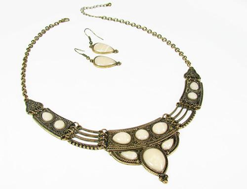 Elegantly Detailed, Decorated with Gems Necklace Set