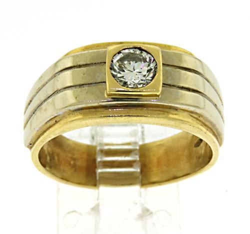Nice 18kt Diamond Ring