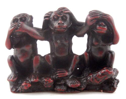 3 Monkeys Brown Sculpture