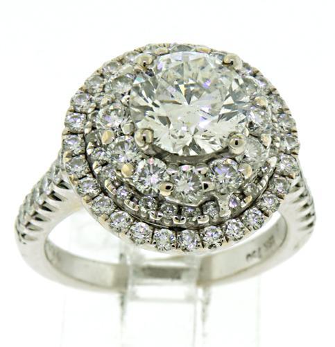 Breathtaking 18kt Diamond Halo Ring