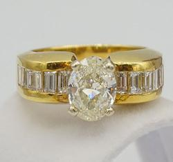 2.5+Carat Diamond Ring in 18kt Yellow Gold