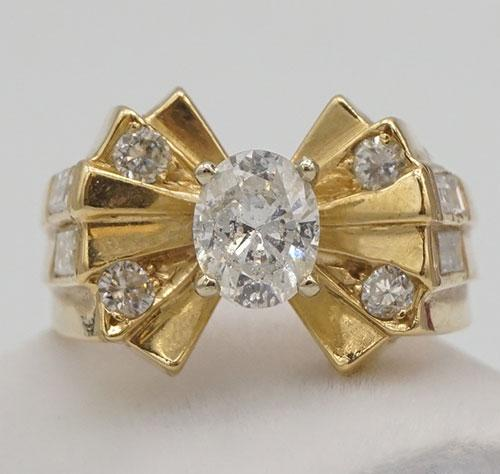 14kt Gold Oval Cut Diamond Ring