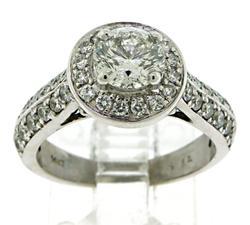 Striking 14kt Diamond Engagement Ring