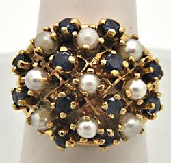 LADIES 14 KT YELLOW GOLD PEARL AND SAPPHIRE RING.