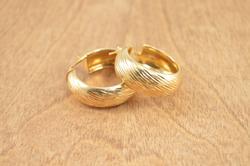 Lirm Gold Gilt Diamond Cut Hoop Earrings Silver