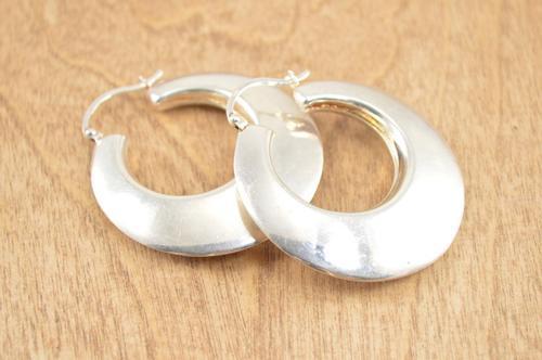Chunky Graduated Hoop Earrings Silver