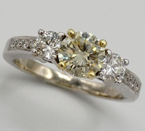 Fancy Yellow Diamond Ring in 18kt Gold