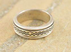 Unisex Checkered Pattern Busy Ring Size 10.6 Silver
