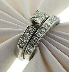 Elegant 14kt Diamond Wedding Set