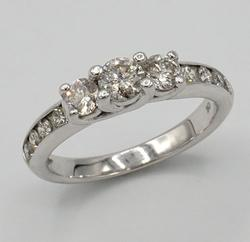 Beautiful Diamond Engagement Ring in White Gold
