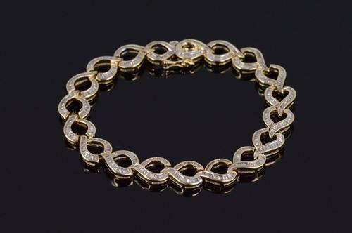 10K Yellow Gold 9.12 Ctw Diamond Baguette Channel Inset Loop Bracelet