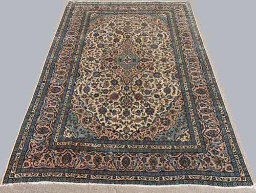 Absolutely Lovely Mid 20th C. High Quality Fine Vintage Persian Bidgol