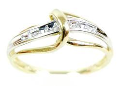 Pretty 10K Diamond Swirl Ring