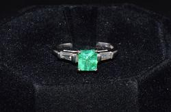 Vintage Colombian Emerald & Diamond Ring