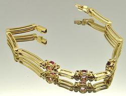 Fancy Ladies 18kt Gold Double Row Design Bracelet