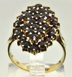 Vintage Garnet Cocktail Ring in 14kt Gld