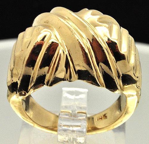 Gents Grooved Design 14kt Gold Ring