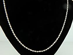 Elegant Diamond Necklace in 18K