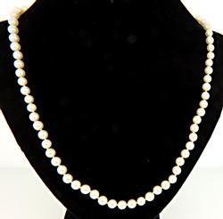 Fresh Water Pearl Necklace w Gold Clasp
