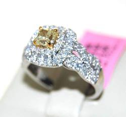 Gorgeous 1+ctw Fancy Yellow & White Diamond Ring