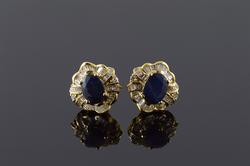 Stunning 4.50 CTW Sapphire Diamond Halo Stud Earrings