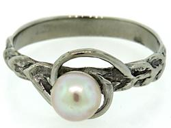 Delightful Pearl Fashion Ring