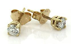 Classic Diamond Stud Earrings in Yellow Gold