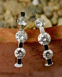Feminine 18K White Gold Diamond Earrings