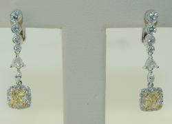 Extremely Elegant 18kt Gold Yellow Diamond Earrings