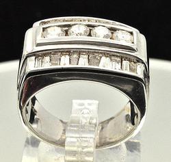 Elegant Gents 1+ctw Diamond Ring in 14kt Gold