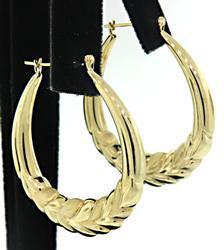 Trendy Large Oval Hoop Earrings in Gold