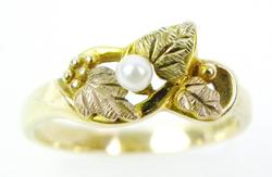 Vintage 10K Tri-Color Ring with Pearl