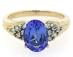 Stunning Tanzanite & Diamond Ring