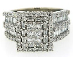 Eye Catching Multi Diamond Ring