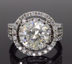 Astonishing 2+ctw Brilliant Cut Diamond Ring, 14kt