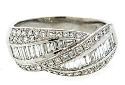 Mesmerizing Multi Diamond Crossover Ring in 18K