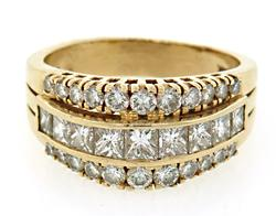 14kt Yellow Gold Three Row 2.00 Cttw Diamond Ring