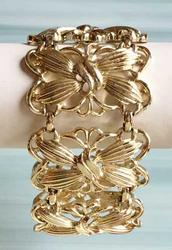 Luscious, Wide, Linked, 1970s, Repousse' Designed Bracelet
