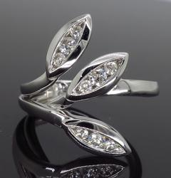 18K White Gold .31CTW Diamond Ring
